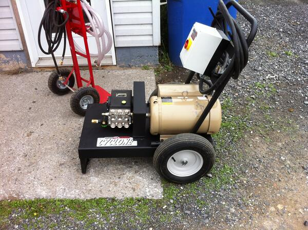 Dupuis mr photos of our high pressure washers for Small motor repair near me